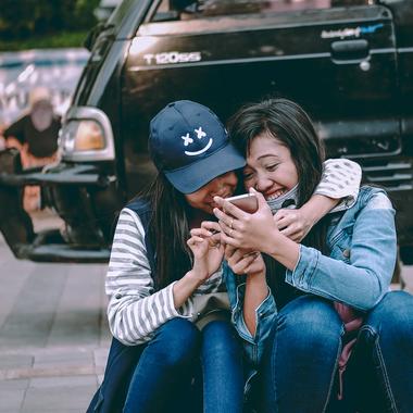 Социальная медиа платформа для поддержки связи со своей семьей и друзьями